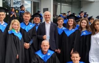 Выпускники БК из Щелково с пастором Алексеем Луневым и лидером служения адаптации Гидзевой Ольгой